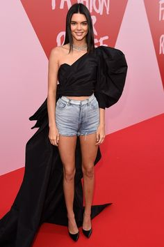 Kendall Jenner Cannes 2017, Кендалл Дженнер Каннский кинофестиваль 2017
