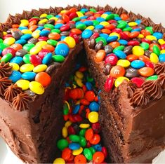 M&Ms Surprise Cake – bakes brooklyn Boys Bday Cakes, Candy Birthday Cakes, Chocolate Birthday Cake Kids, Mnm Cake, Cupcake Cakes, Cupcakes, Pavlova, Candy Filled Cake, Smarties Cake