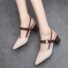 Women shoes Sandals 2019 - Women shoes High Heels - Women shoes For Fall 2018 Pretty Shoes, Beautiful Shoes, Shoe Boots, Shoes Sandals, Shoes Sneakers, Flats, Brown Sandals, Shoes Uk, Flat Sandals