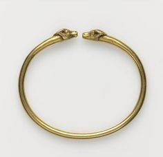 Bracelet, gold and iron - Hellenistic period (323-31 B.C). | Louvre Museum.