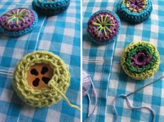 Crocheted Button Tutorial with some embroidery. Nice colorful idea. In Dutch.