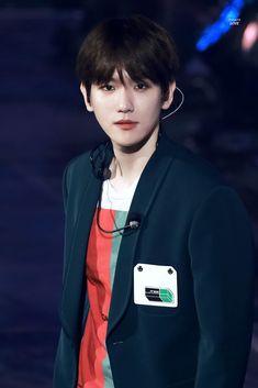 Baekhyun 2018 ElyXion Dot in Macau Baekhyun, Exo Ot12, Chanbaek, Mature Faces, Hapkido, Exo Members, Exo K, Dream Guy, Look Cool