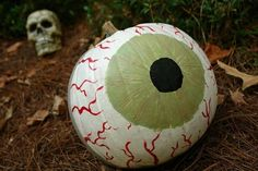 The Eyeball Pumpkin | 37 Easy DIY No-Carve Pumpkin Ideas