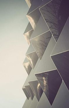 Another great example of the inate beauty found in the geometric shape of triangles and pyramids. Architecture Design, Facade Design, Gothic Architecture, Amazing Architecture, Ideas Mancave, Motifs Textiles, Architectural Elements, Textures Patterns, Geometric Shapes