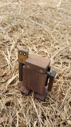 Woodworking Projects Diy, Diy Wood Projects, Woodworking For Kids, Woodworking Toys, Wooden Art, Wooden Crafts, Making Wooden Toys, Wooden Toy Boxes, Wood Toys Plans