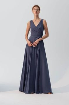 Amsale Bridesmaid gowns offer a stylish sophistication to compliment your unique style for your big day. Set the tone for your wedding with their Flat Chiffon gowns. Amsale Bridesmaid, Simple Bridesmaid Dresses, Bridesmaids, Bridal And Formal, Mothers Dresses, Dress Silhouette, Designer Wedding Dresses, Dream Dress, Dress Making