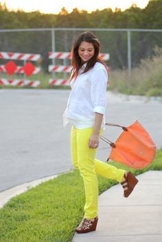 Indiana of Adored Austin in Francesca's Collections Neon colored denim Neon Yellow Pants, Yellow Jeans, Colored Pants, Colored Denim, Maternity Fashion, Maternity Outfits, Maternity Style, Cute Fashion, Womens Fashion