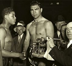 "Joe Louis and Max Schmeling | Max Schmeling face à Joe Louis( 6 juin 1936); le ""Bombardier brun ..."