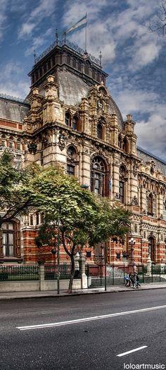 Buenos Aires , Argentina . Palacio de Aguas Corrientes . Ubicado en la Av. Cordoba , conserva la arquitectura de una epoca . . .