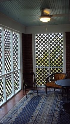 Pergola mit versenkbarem Baldachin ID: 7256480847 … - Terrasse und Balkon Porch Privacy Screen, Outdoor Privacy, Lattice Patio, Porch Enclosures, Pergola Designs, Pergola Kits, Pergola Ideas, Porch Ideas, Pergola Lighting
