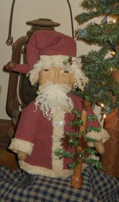 Primitive Santa by RustyThimble on Etsy, $31.57