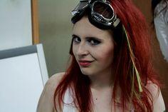 Making of sesji cosplayowej do Projektu Tequila. Makijaż gotowy, włosy podtapirowane, można udawać postapokaliptyczną heroinę!  fot. Paulina Anacka