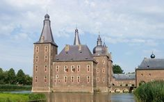 Hoensbroek is a castle museum which offers adventure hunts for children, and for adults, collections featuring fashions and objects dating back centuries.