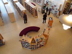 Voss bibliotek (foto: Anders Ericson)  https://picasaweb.google.com/frilanders/BibliotekPa2000TalletKlikkPaLysbildefremvisning#