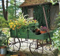 Small-Green-Wood-Decorative-Rolling-Wagon-Garden-Decor-Metal-15-1-2-H-NEW-E0170
