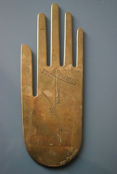 Signed sculpture of a palmistry hand by French artist Roger Bezombes. Joy, Happiness, Loyalty, Love, and Life are all accounted for. Symbol Hand, Instalation Art, Show Of Hands, Louise Bourgeois, Hand Of Fatima, Palmistry, Hamsa Hand, French Artists, Paper Weights