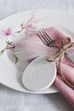 Easter Table Settings, Easter Table Decorations, Easter Gift, Happy Easter, Diy Ostern, Easter 2021, Easter Celebration, Easter Holidays, Deco Table