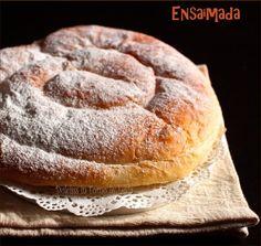 Ricetta passo passo per creare la Ensaimada minorchina, un dolce tipico delle Isole Baleari. Non tanto dolce e sofficissima. Una preparazione particolare...