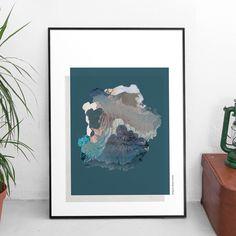 #CopyArt meets #EarthArt!  Unsere Designerin Janina öffnet das erste Türchen zum letzten Monat des Jahres und zeigt uns ihre Leidenschaft für Monde und Texturen. Kombiniert mit eingescannten Aerial Fotografien und Illustrationen entsteht eine ganz neue Landschaft, in der sich abstrakte und realistische Elemente vereinen. Ein Traum in winterlichem Blau und Weiß.
