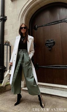 The Trending Trouser Shape That Will Make Your Legs Look Twice as Long - Best Wide Leg Trousers: Darja Barannik in khaki trousers Source by - # Trend Fashion, Fashion Moda, Fashion Pants, Fashion Outfits, H&m Fashion, Mode Outfits, Winter Outfits, Business Mode, Casual Styles