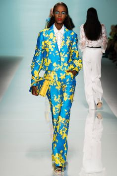 Emanuel Ungaro Spring 2015. See the collection on Vogue.com.