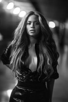 Beyonce Model Hairstyle - Model Hair Style and Hair Cut Estilo Beyonce, Beyonce Style, Beyonce Knowles Carter, Beyonce And Jay Z, New Hair, Rihanna, King B, Destiny's Child, Queen B