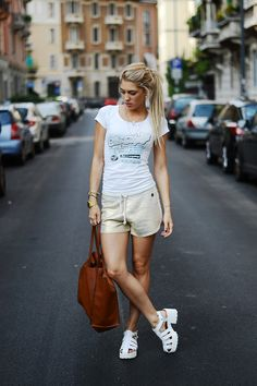 SPORTY OUTFIT on my blog www.losh.it by Chiara Losh {Imperfect short}