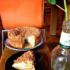 シナモンクランブルりんごチーズケーキ Sweets Recipes, Cupcake Recipes, Cupcake Cakes, Desserts, Sweet Cakes, Bakery, Favorite Recipes, Meals, Dishes