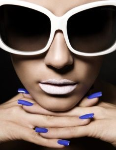 Buy sunglasses online and get up to 20% discount.