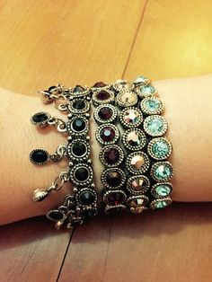 🛍Venda de Semijoias, joias, bijuterias e acessórios. 🎁 Enviamos para todo o Brasil! 📲 WhatsApp: (11) 94227-3617 💰 PagSeguro (Crédito e Débito)
