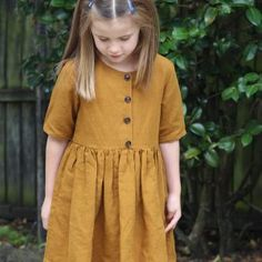 With this sewing pattern and tutorial you will be able to create a versatile Kauri Dress, with classic and clean style lines and a professional finish. New Party Dress, Sewing Blogs, Sewing Projects, Bias Tape, Dress Sewing Patterns, Sewing For Kids, Short Sleeve Dresses, Shirt Dress, Summer Dresses
