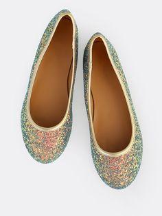 Shop Reflective Glitter Flats BLUE online. SheIn offers Reflective Glitter Flats BLUE & more to fit your fashionable needs.