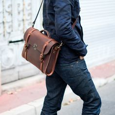Bleu de Chauffe | Men | Leather satchel bag | Scott, The Writer's bag | Sac cuir homme Made in