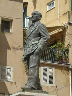 Statua Luigi Pirandello Porto Empedocle - Agrigento.