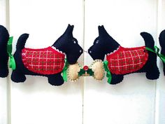 Scotty Dog Christmas Garland or Wall by PatriciaWelchDesigns