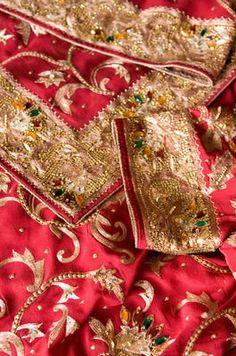 Hindu dress - detail
