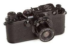 Highlights of the upcoming WestLicht Photographica Camera Auction - Leica Rumors Antique Cameras, Old Cameras, Vintage Cameras, Leica M, Camera Shop, Camera Gear, Vintage Polaroid Kamera, Leica Photography, Leica Camera