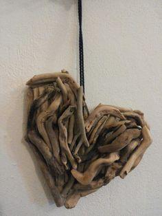 Cuore con legni marini