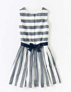 I've spotted this @BodenClothing Anna Dress Navy/Snowdrop Stripe