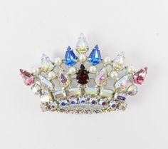 #VogueTeam #EtsyGift #vintage Fabulous Rhinestone Brooch Signed B DAVID Crown Pink Red Blue Crystal Aurora Borealis Faux Pearls Silver Tone