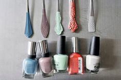 DIY : des couverts teintés avec du vernis à ongles ... Rédaction Vinciane Fiorentini-Michel pour La petite fabrique de rêves.blogspot.fr