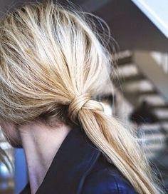 Easy Mom Hairstyles | Hellobee