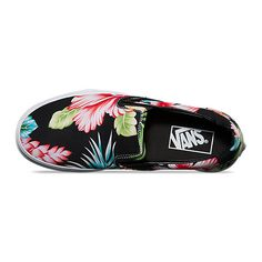 Classic Slip-On ($55) ❤ liked on Polyvore featuring shoes, floral printed shoes, low top, hawaiian shoes, slip on shoes and vans shoes