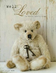 cute, cuddly teddy bears give great hugs! perfect for when I'm sad Old Teddy Bears, Vintage Teddy Bears, My Teddy Bear, Polar Bear, Bear Doll, Cute Bears, Shabby Chic, Childhood, Crafts
