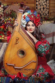 Ukrainian Style Alina Bashkina Українки - дивовижні!  Ukrainian beauty folk fashion