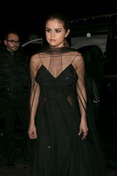 celebstills: Selena Gomez – Arriving at the Louis Vuitton Dinner Party in Paris 392016