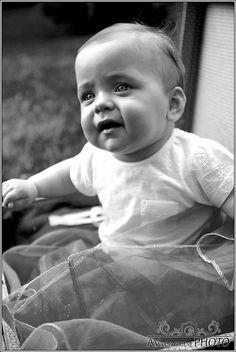 EN- Let her sleep for when she wakes, she will move mountains - sweet dreams princess.  DE- Süße Prinzessin schlafend bei mir.... Ich liebe sie, schaue ihr beim Schlafen zu...  Mädchen, Baby, weiß und sxhwarz, Fotoschooting, Kinder, children, white and black, girl, fotoshooting. Baby, Princess, Photo Shoot, Love, Kids, Baby Humor, Infant, Babies, Babys