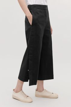 b2e8418db4d5 40 Best CROPPED TROUSERS images   Feminine fashion, Clothing, Cool ...