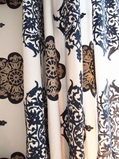 Gardinstoff og tapet - Riis Interiør Designers Guild, Curtain Fabric, Home Collections, Hand Henna, Hand Tattoos, Arm Tattoos, Tattoo Sleeves