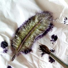 The idea of textile feathers struck me a few days ago when I was going to make a small accessory. Materials and Tools 1. Scraps of fabric (patchwork scraps). 2. Threads. 3. Wire. 4.